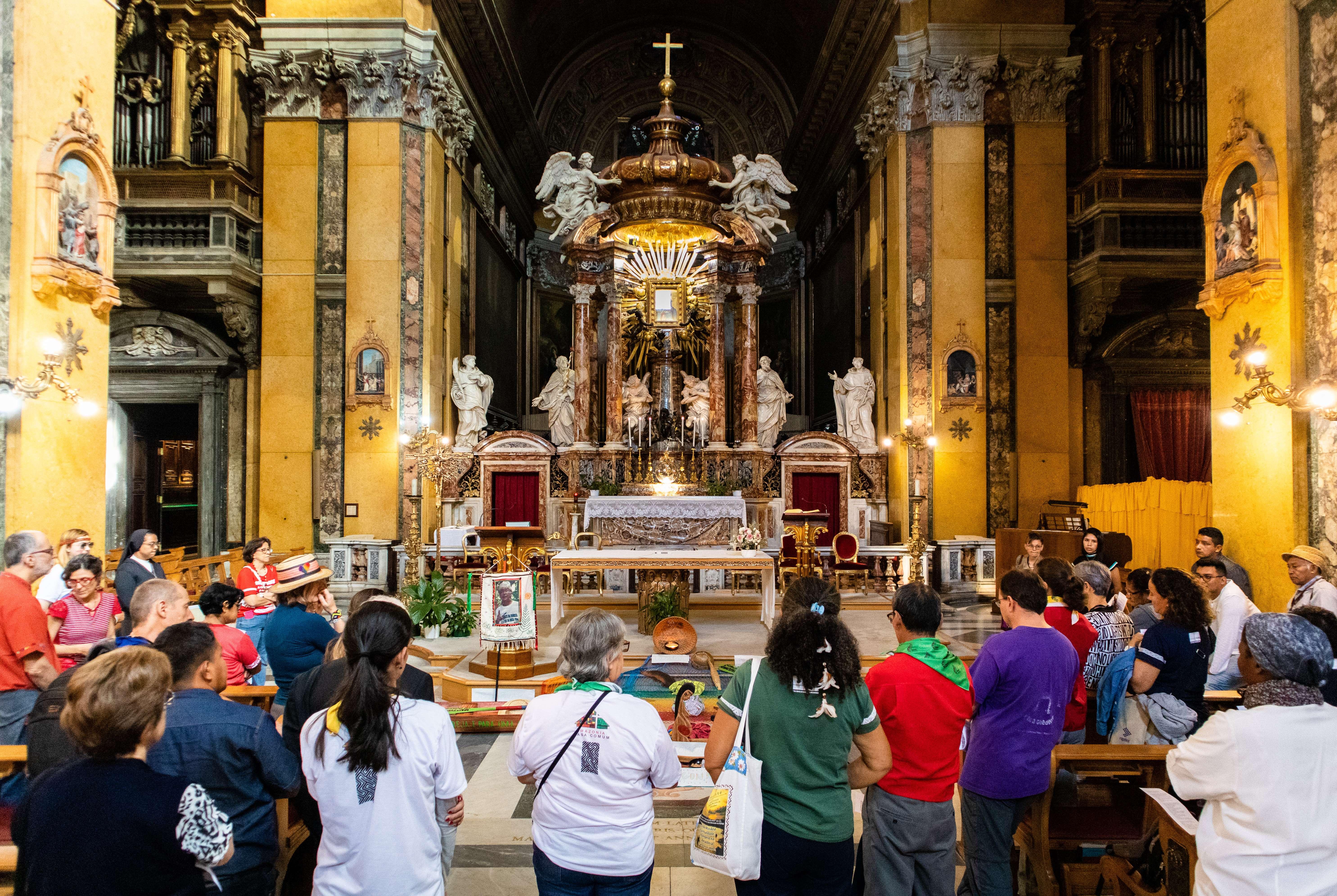 El Cardenal Lorenzo Baldisseri, secretario general del Sínodo de los Obispos, rechazó que el Sínodo de la Amazonía pudiera abrir alguna posibilidad a una Iglesia sincrética.