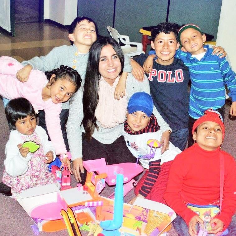 Domingo 15 del Tiempo Ordinario Ciclo C. El Buen Samaritano es Amor en Acción. Fotografía tomada durante una misión en Colombia con niños que padecen cáncer