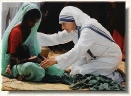 Tenemos en nuestro mundo modelos de gratuidad y de humildad que nos deben motivar a ponerlos en práctica