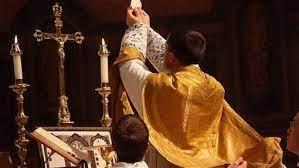 Vio el Purgatorio abierto y las almas que salían de él, liberadas por virtud de la Misa. ¡Cuán grande es la eficacia del Santo Sacrificio para llevar al Cielo a las almas que han dejado la Tierra!