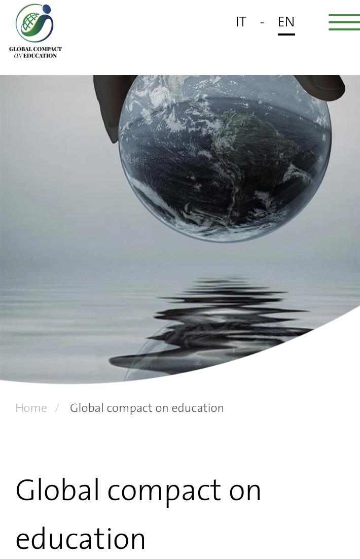 Comparo el logotipo del Pacto Mundial de la Educación con sus principios fundantes y me pregunto: ¿Será la mano de Dios la que sostiene al mundo, o será por el contrario la mano del Hombre?