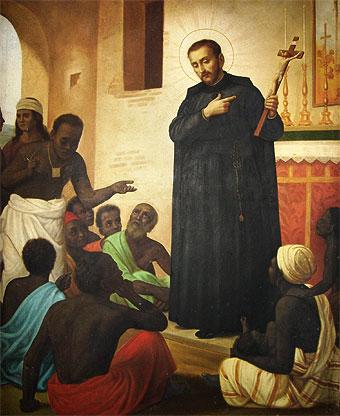 El alma del difunto le dijo: ¿Por qué no tienes tu Rosario?  Llévalo puesto desde ahora y recítalo por las almas del Purgatorio. Luego, le pidió al Padre Pedro Claver que ofreciese Misas por su alma.