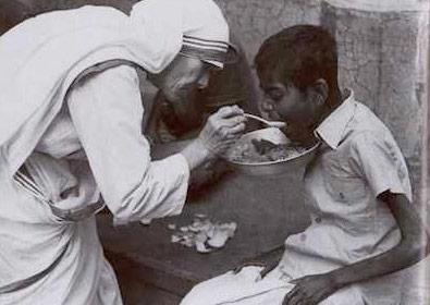 Madre Teresa dedicó su tiempo libre y no libre a otros. ¿En qué dedicamos el nuestro?